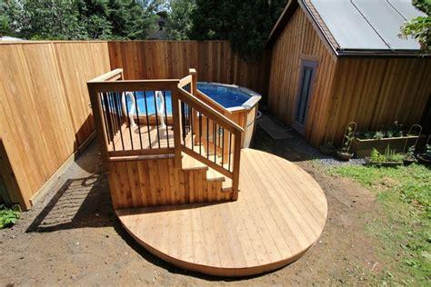 les cuisines en aluminium deck de piscine hors terre avec une terrasse