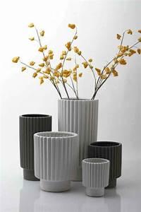 Deko Für Große Vasen : blumenvasen deko eine geschmackvolle weise die wohnung zu dekorieren ~ Bigdaddyawards.com Haus und Dekorationen