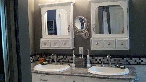 Custom Medicine Cabinet   Traditional   Bathroom Mirrors