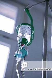 Tropfgeschwindigkeit Infusion Berechnen : lichtschranke an einem tropf bzw infusionsflasche die die tropfgeschwindigkeit misst in ~ Themetempest.com Abrechnung