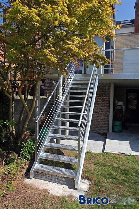 escalier en b 233 ton ou m 233 tallique sur talus