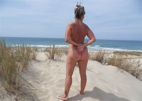 Naked In The Dunes Pics Xhamster