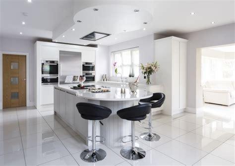 cuisines encastr s carrelage cuisine en noir et blanc 22 intérieurs inspirants
