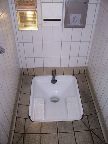 Turkish Toilet Bidet by How To Find A Bathroom In Florence Florence Nileguide