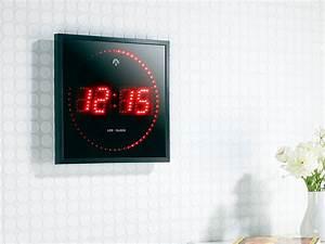 Horloge Murale Rouge : horloge murale avec chiffre et secondes led rouge ou bleu ~ Teatrodelosmanantiales.com Idées de Décoration