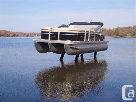 Boat Lift For Pontoon by Yact Discuss Pontoon Boat Boat Lift