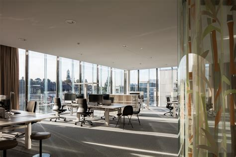 Swiss Re Next | Floornature