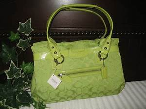 Shoppers And Shopaholic Please e In NWT COACH