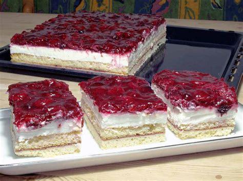 waffeltorte mit roter grütze rote gr 252 tze kuchen rezept einfache rezepte