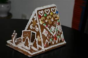 Wie Baue Ich Ein Vordach : lebkuchenhaus selber bauen weihnachten ~ Lizthompson.info Haus und Dekorationen