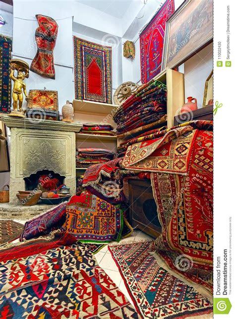 negozi di tappeti interno negozio tappeto nazionale antico fotografia