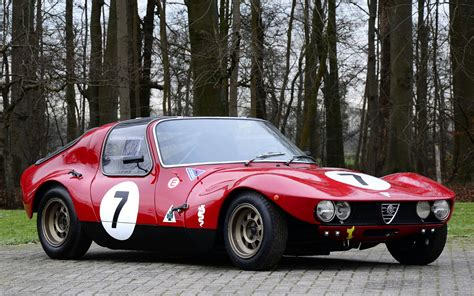 Vintage Alfa Romeo by Beautiful Classic Alfa Romeo Car Wallpapers And Resources