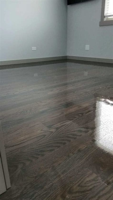brown  gray floor stain  bona chicago tom peter