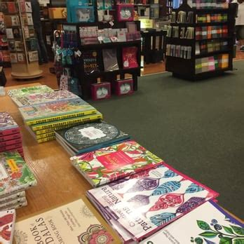 barnes and noble frisco barnes noble booksellers 25 photos 26 reviews book