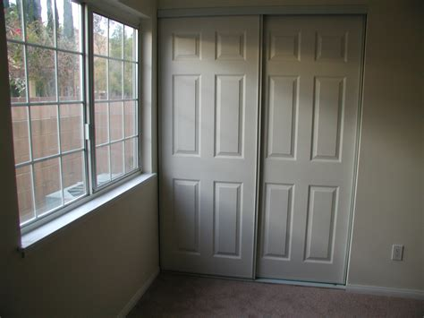 decorating your closet with sliding mirror closet doors