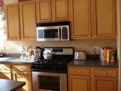 easy way to refinish kitchen cabinets pinstripe glazed kitchen cabinets a easy way to 9642