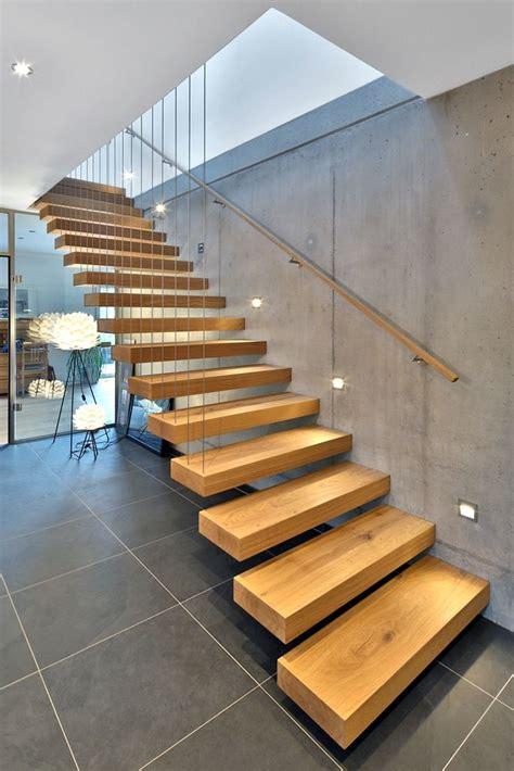 Gerade Treppe Modern by Die Besten 25 Moderne Treppe Ideen Auf