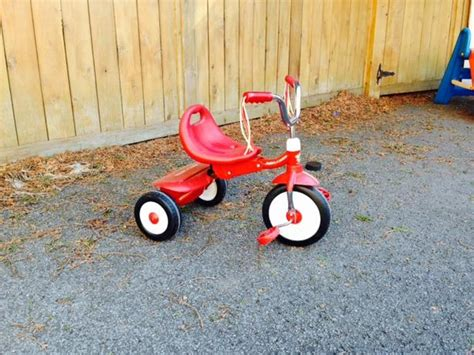 radio flyer red kids tricycle central ottawa