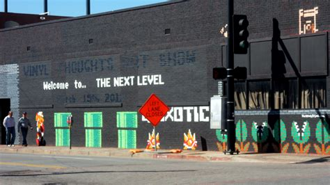 the signs and murals of deep ellum steve lovelace