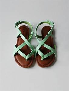 Sandalen Sommer 2015 : m dchen sandalen die sehr trendig im sommer 2015 sein ~ Watch28wear.com Haus und Dekorationen