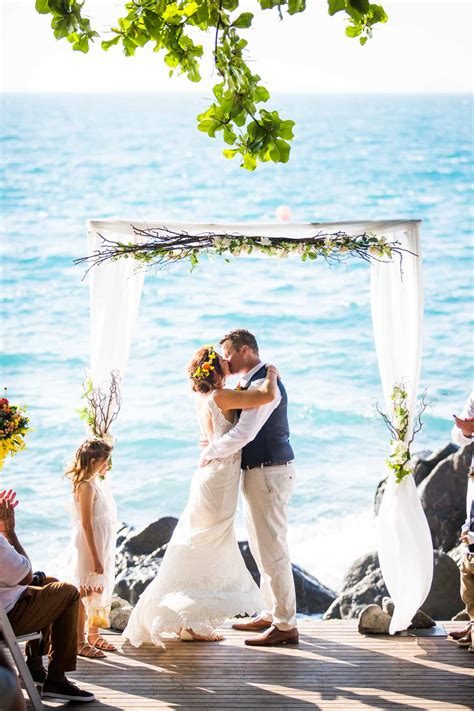 island wedding photographers ally and daydream island resort wedding photography