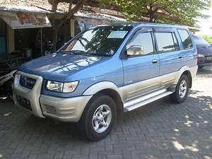 Isuzu Panther Touring 2001