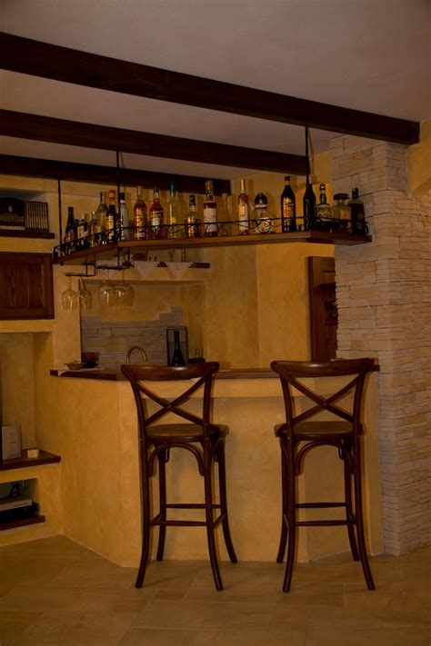 Mensole Bar by Sfruttare Gli Angoli Con Le Mensole 20 Idee Per Ispirarvi