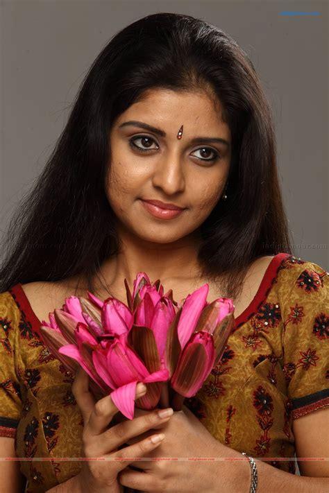 athmiya actress  stills images pictures  hot