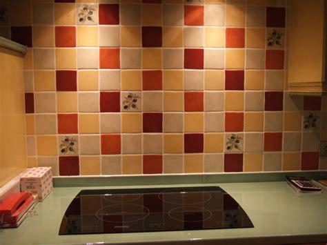 carrelage mural cuisine carrelage cuisine murs et sol quels designs et couleurs tendance