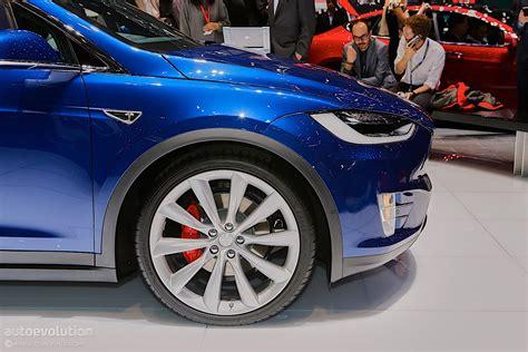 Get Tesla Car Doors Go Up PNG