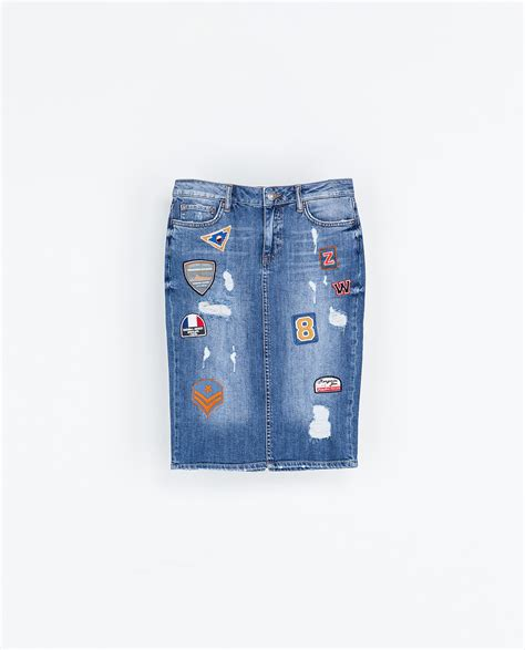 zara patched denim skirt in blue lyst