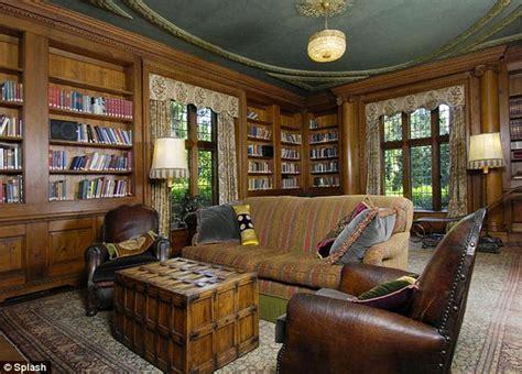 sprawling multi million mansion  mel gibson