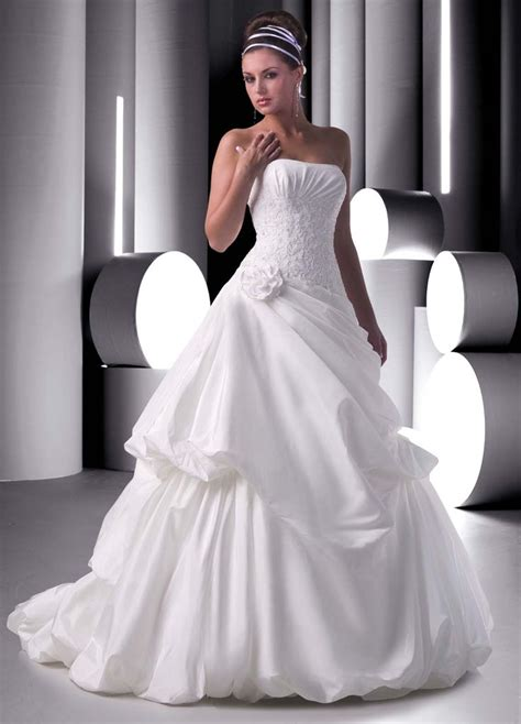 where can i sell my wedding dress 2319 best mariées robes images on wedding dressses wedding dress and wedding gowns