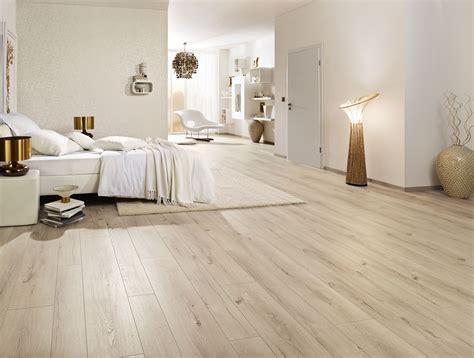 Vinylboden, Teppichboden, Parkett & Mehr In