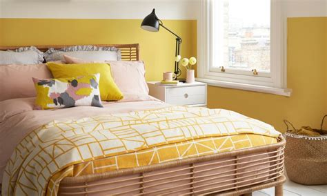 Bedroom Decorating Ideas Yellow Paint by Yellow Bedroom Ideas For Mornings And Sweet Dreams