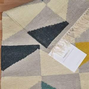 tapis design type kilim tisse main gris jaune et bleu With tapis kilim avec meilleur marque de canapé