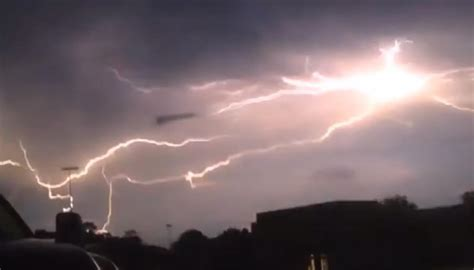 UFO filmed 'feeding on lightning' | Newshub