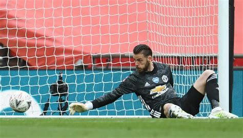 Football: David De Gea errors costly for Manchester United ...