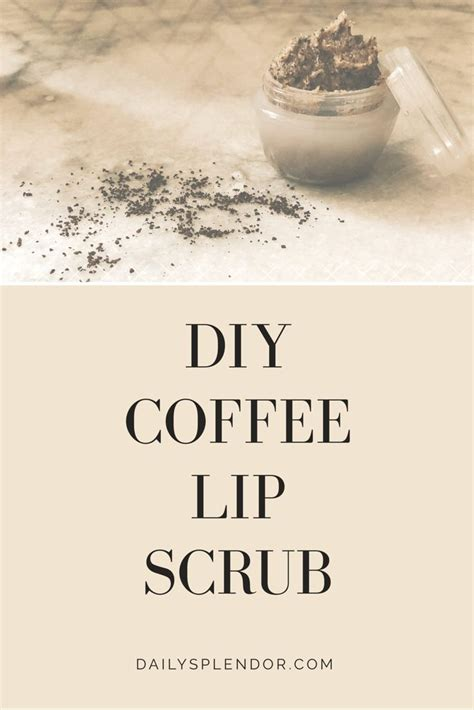 A lip scrub contains two components: DIY Coffee Lip Scrub   Consejos de belleza, Belleza, Consejos