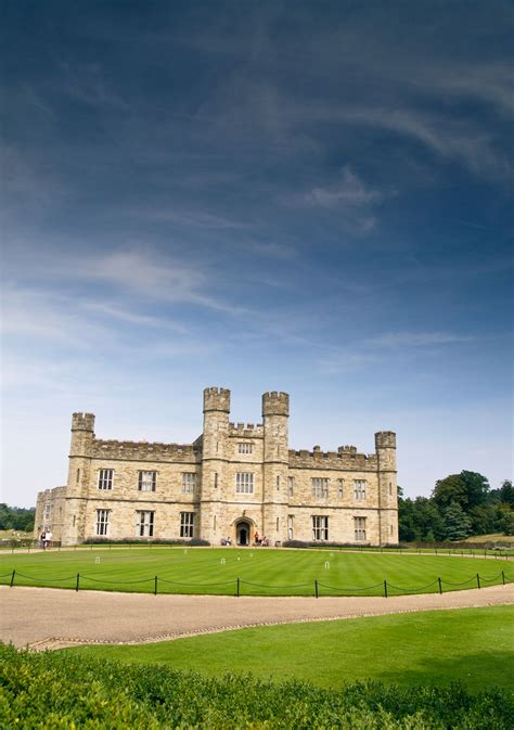 Leeds Castle, Cliffs of Dover and Canterbury Day Trip from ...