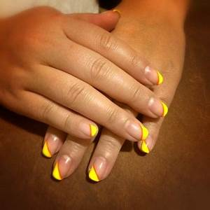 Neon yellow gel diagonal tip with an orange strip on my
