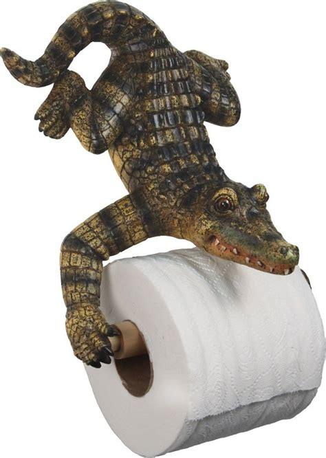 alligator bathroom decor strangest  ive