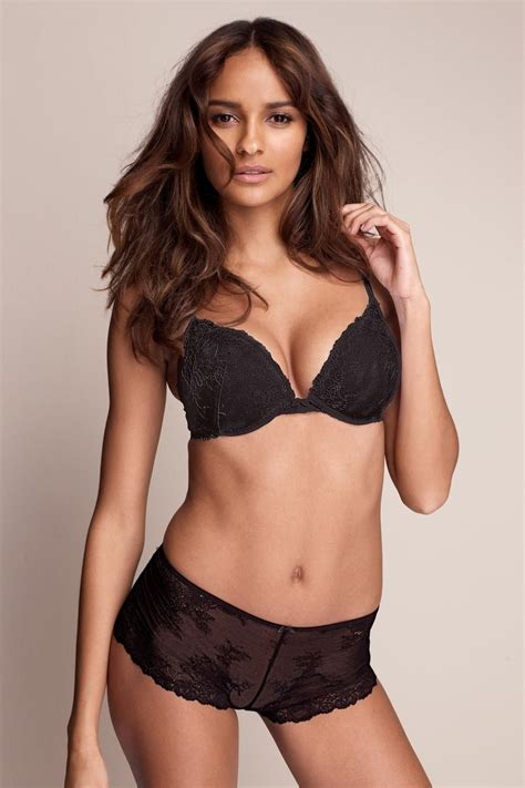 Picture Of Gracie Carvalho
