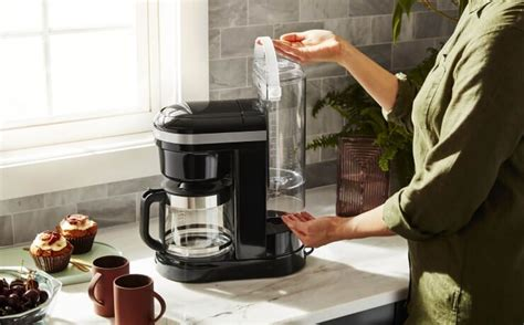 Our kitchenaid® craft coffee team is constantly innovating to create better brewers. How To Clean And Descale A Coffee Maker | KitchenAid