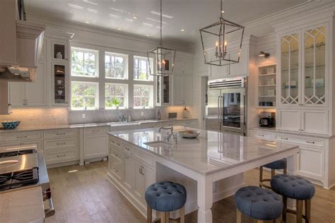 what is the best color for kitchen cabinets best 25 white macaubas quartzite ideas on 9928