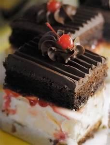 delicious chocolate cake.jpg