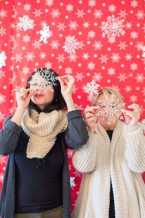 Diy Photo Backdrop With Wrapping Paper by Diy Photo Booths Photoshoot Photo