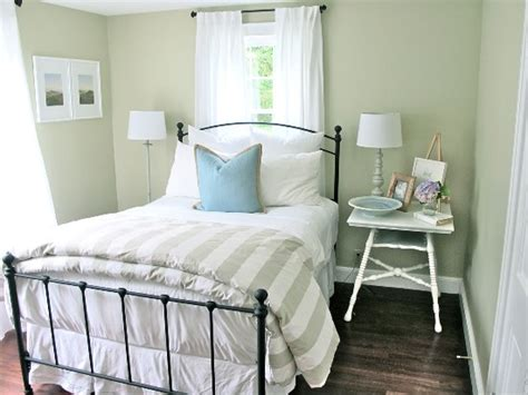 Guest Bedroom Ideas : Small Guest Room Decor Ideas