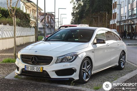 Maximum torque has also increased from 475 to up to 500 newton metres. Mercedes-Benz CLA 45 AMG Shooting Brake - 7 Februar 2020 ...