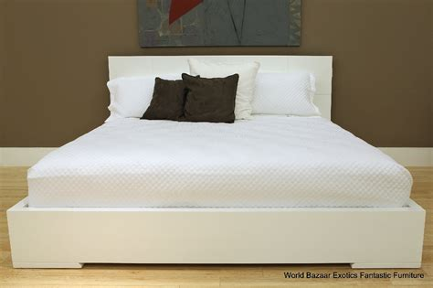 King Size Bed White High Gloss Frame Finish Geometric